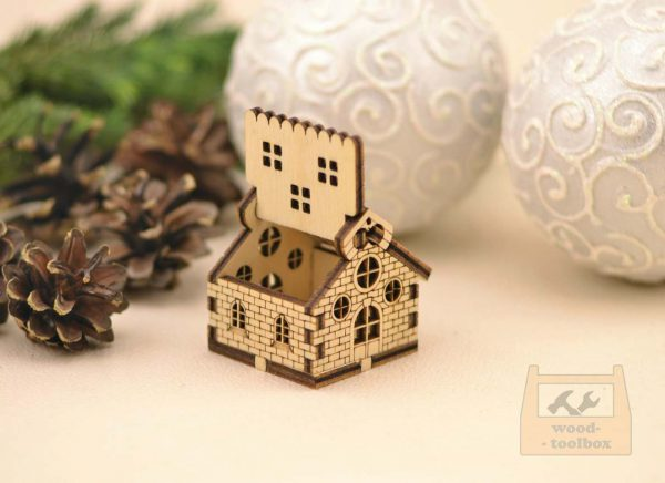 little wood christmas house